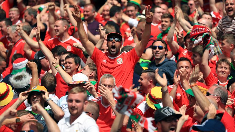 during the UEFA Euro 2016, Group B match at the Stade Felix Bollaert-Delelis, Lens. PRESS ASSOCIATION Photo. Picture date: Thursday June 16, 2016. See PA story SOCCER England. Photo credit should read: Mike Egerton/PA Wire. RESTRICTIONS: Use subject to restrictions. Editorial use only. Book and magazine sales permitted providing not solely devoted to any one team/player/match. No commercial use. Call +44 (0)1158 447447 for further information.