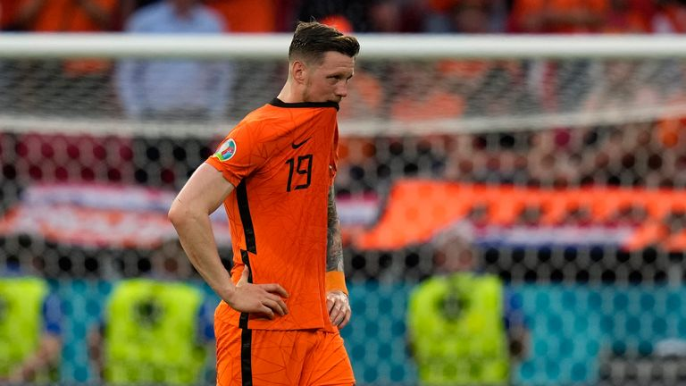 Wout Weghorst trudges off at full-time