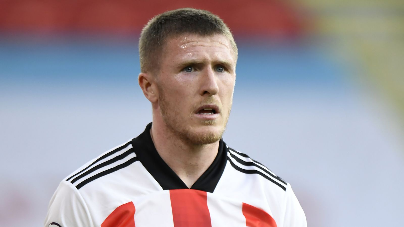 Rangers sign John Lundstram on three-year deal after Sheffield United contract expires