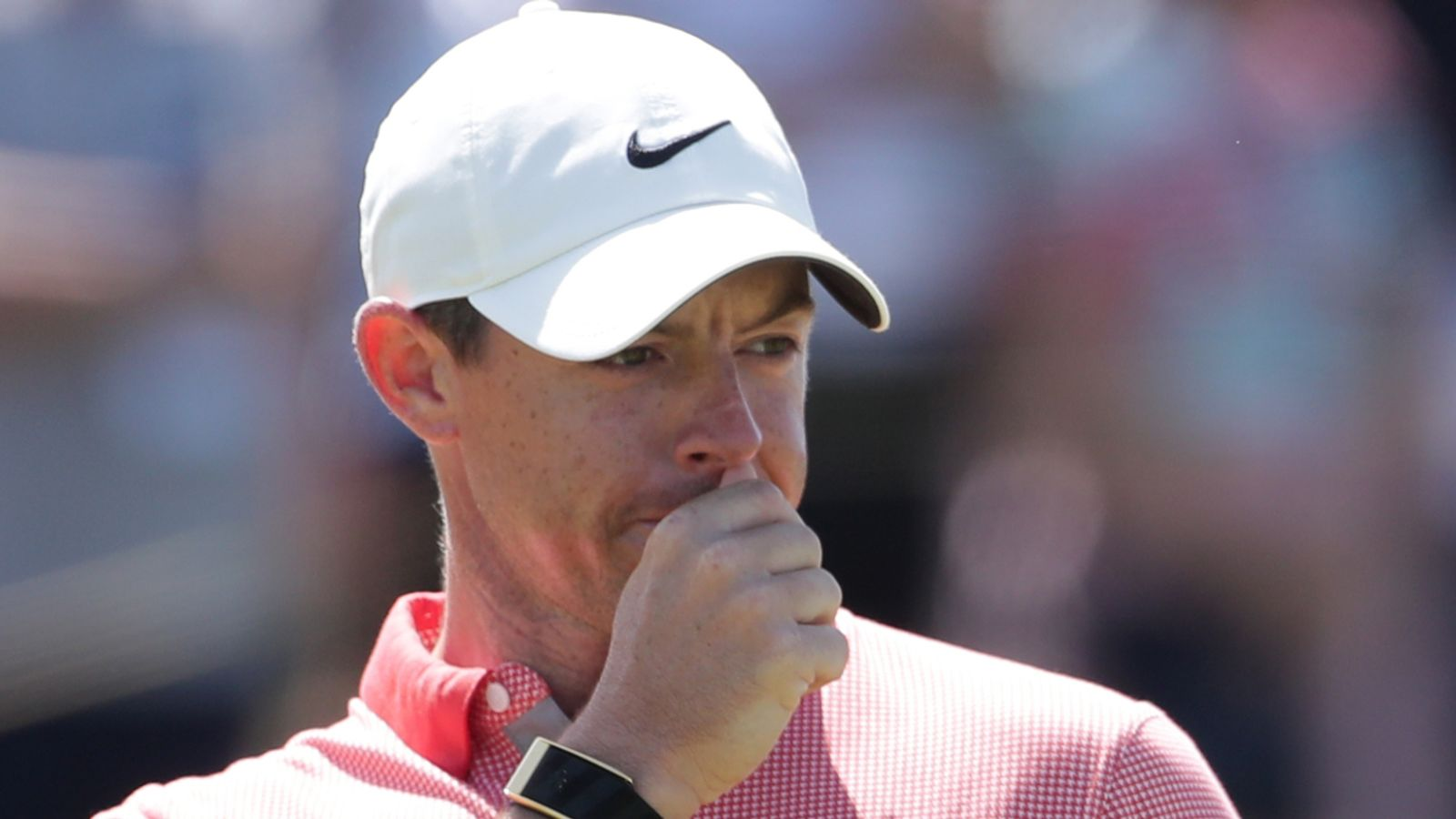 The 149th Open: Rory McIlroy throws club in frustration during error-strewn finish to third round
