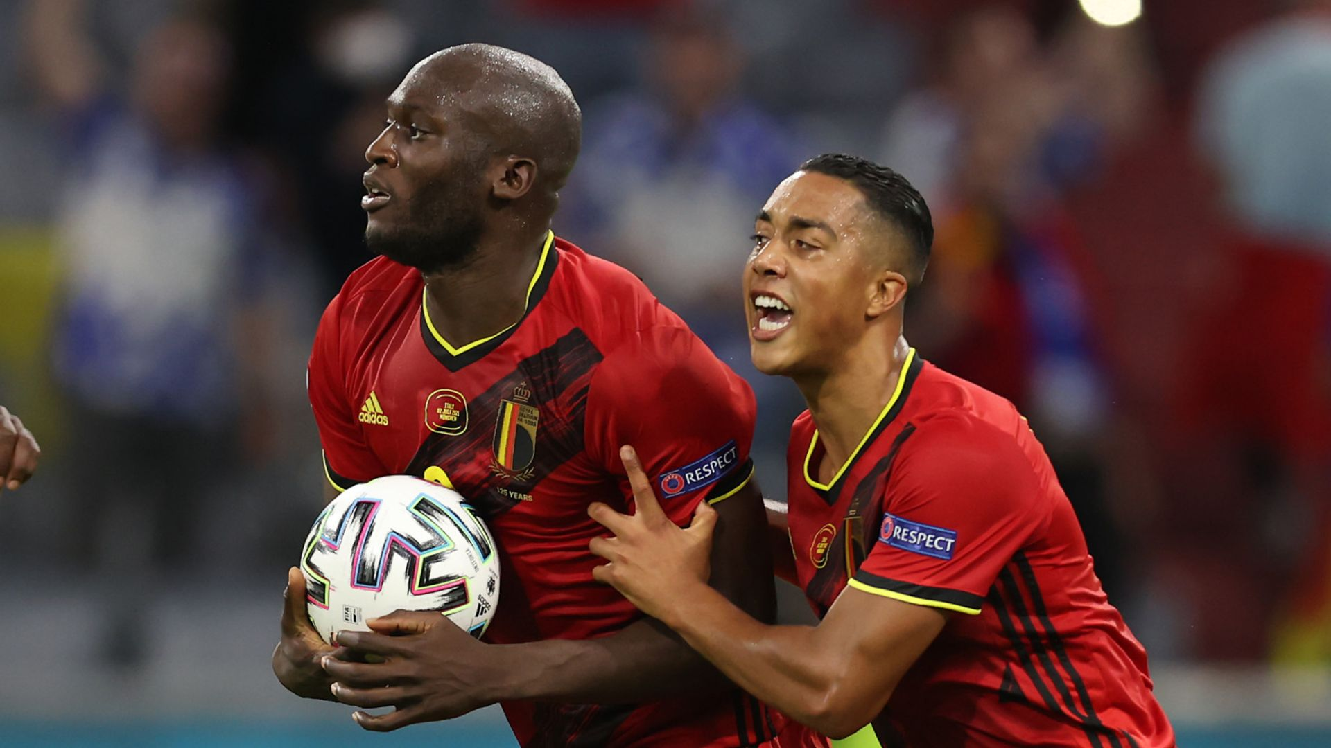 Lukaku pulls one back against Italy LIVE!