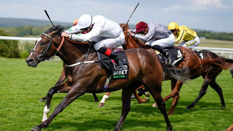 Martin Harley riding Asymmetric to victory