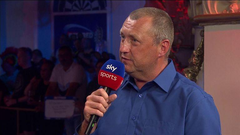 Wayne Mardle believes Michael van Gerwen has to perform or he won't beat Peter Wright in the World Matchplay semi-final.