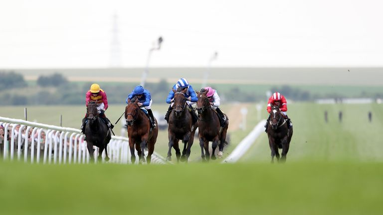 Baaeed leaves the rest of the field behind at Newmarket