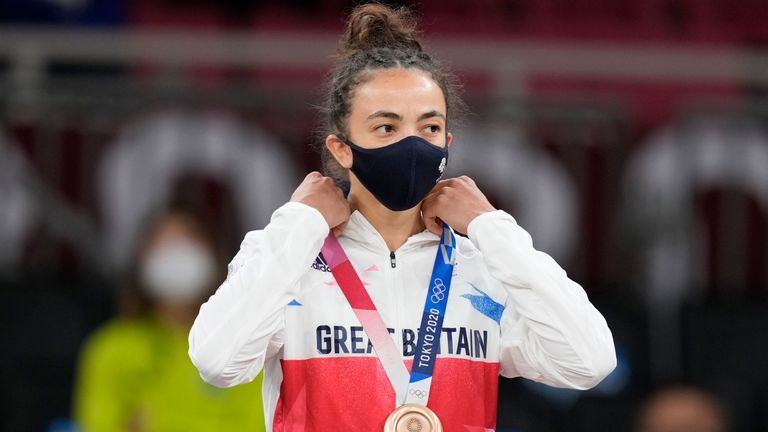 Chelsie Giles won a bronze in the  women's 52kg Judo event.