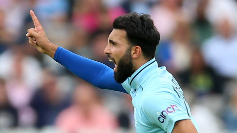Saqib Mahmood shone with the new ball again for England