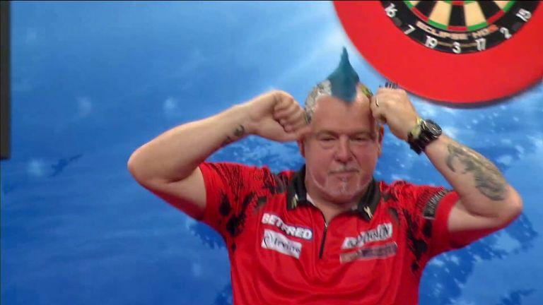 Peter Wright comfortably beats Michael Smith to reach the semi-finals of the World Matchplay
