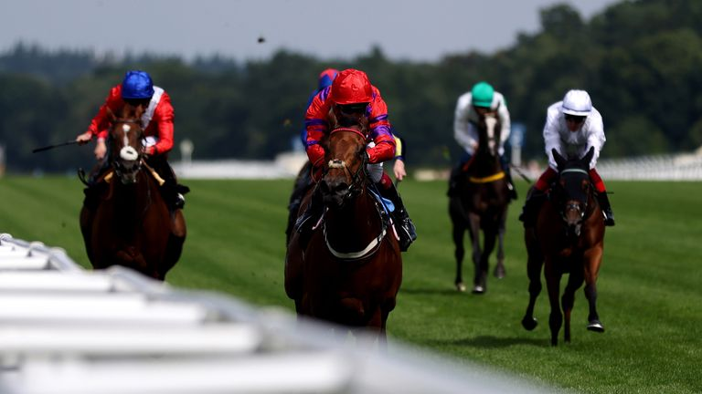 Dreamloper leaves her Valiant Stakes rivals well behind at Ascot