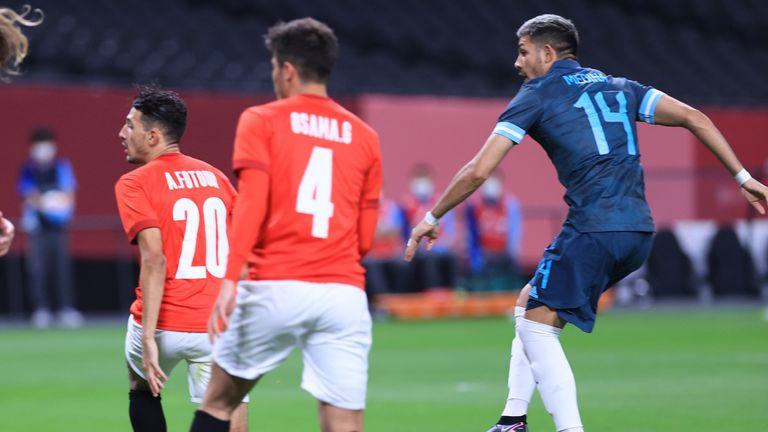 Facundo Medina anota el gol de Argentina هدف