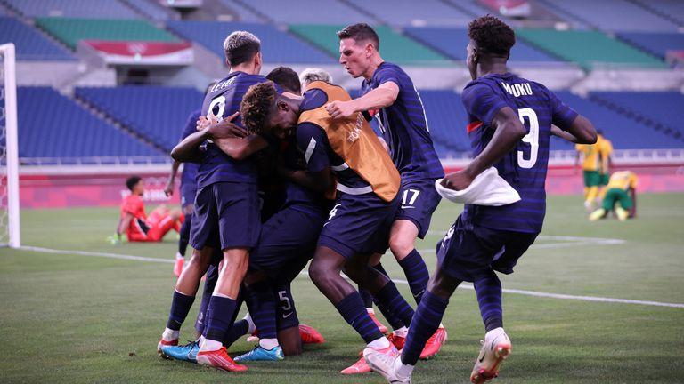 France celebrate Teji Savanier's winning goal