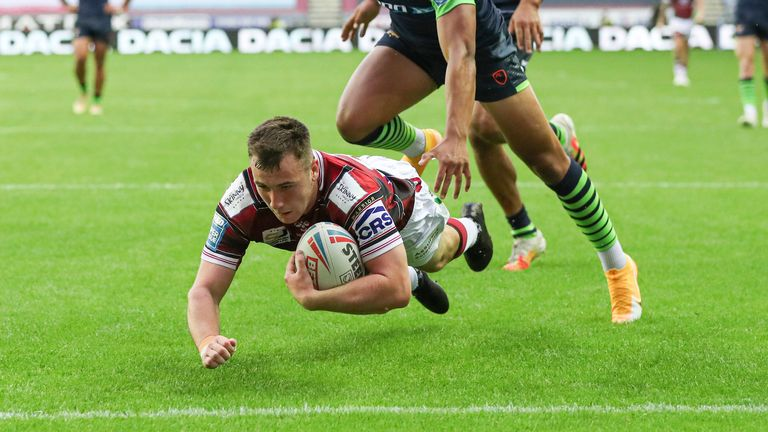 Smith then went over for a try himself to put Wigan in front