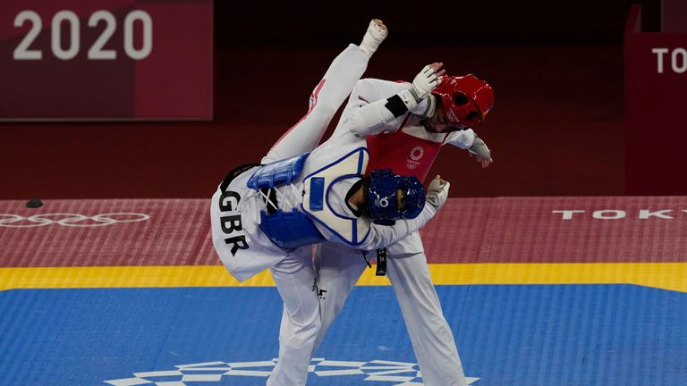 Jones was beaten by the Olympic Refugee Team's Kimia Alizadeh 16-12  in the first round