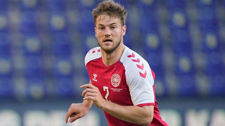Joachim Andersen jugó tres partidos con Dinamarca en la Eurocopa 2020 (AP)
