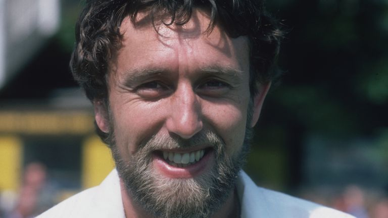 Former England and Derbyshire seam bowler Mike Hendrick has died at the age of 72