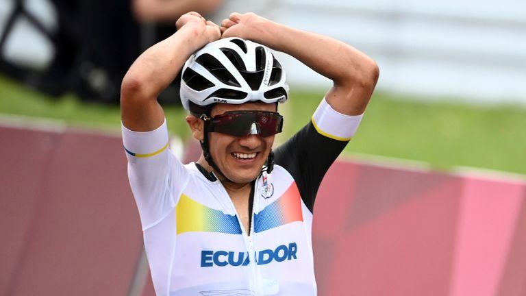 Ecuador's Richard Carapaz celebrates winning the Olympic  road race at the Fuji Speedway