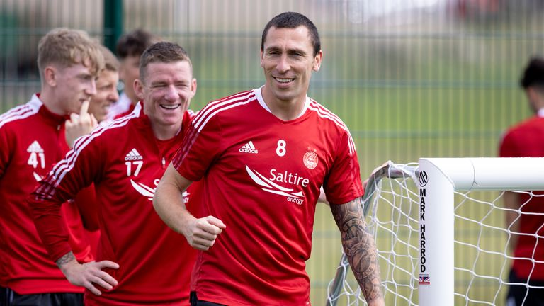 SNS - ABERDEEN, SCOTLAND - JULY 07:  Scott Brown during an Aberdeen Training session at Cormack Park on July 07, 2021, in Aberdeen, Scotland.  (Photo by Craig Williamson / SNS Group)