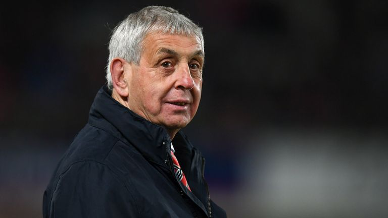 McGeechan says management must confront the fact players will deal with Test omissions in different ways