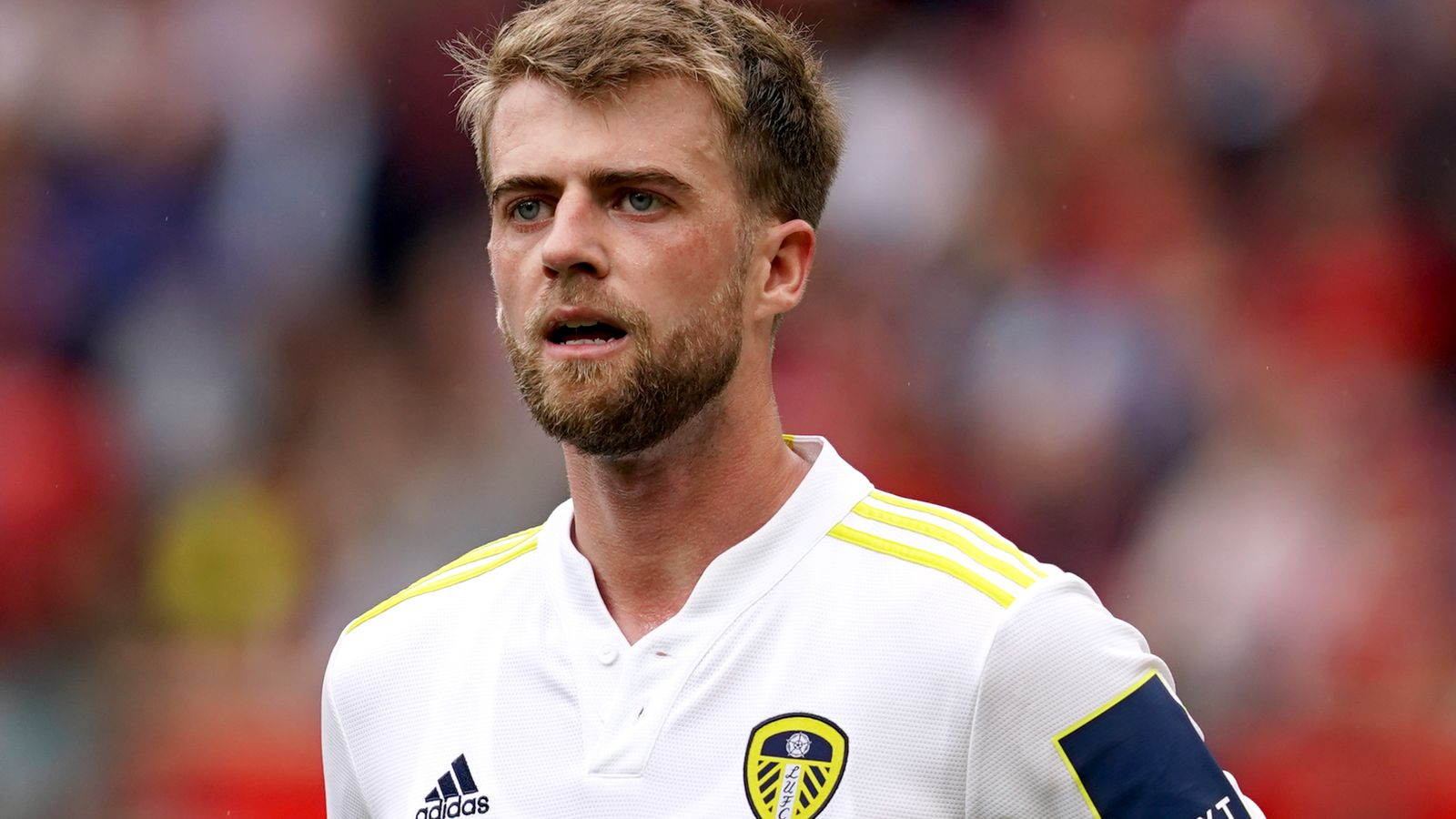 Patrick Bamford has signed a five-year contract extension with Leeds United.