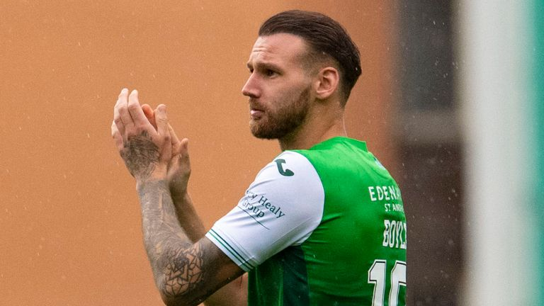 EDINBURGH, SCOTLAND - AUGUST 08: Hibernian's Martin Boyle applauds the home fans at full time during a cinch Premiership match between Hibernian and Ross County at Easter Road, on August 08, 2021, in Edinburgh, Scotland. (Photo by Ross Parker / SNS Group)