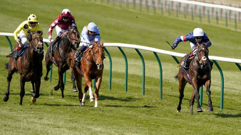 Carolus Magnus stretches clear to win well at Newmarket