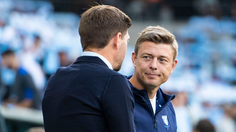 MALMO, SWEDEN - AUGUST 03: Malmo manager Jon Dahl Tomasson (right) with Rangers manager Steven Gerrard ahead of kick off during a Champions League qualifier between Malmo and Rangers at the Eleda Stadion, on August 03, 2021, in Malmo, Sweden. (Phot by Christoffer Borg Mattisson / SNS Group)