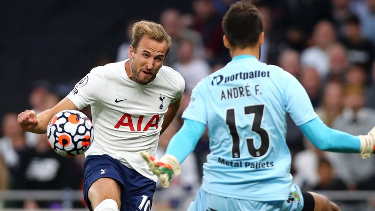 Harry Kane unleashes an early shot against Pacos de Ferreira