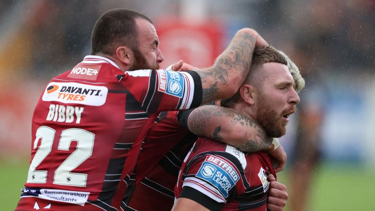 Highlights of the Super League clash between Castleford Tigers and Wigan Warriors