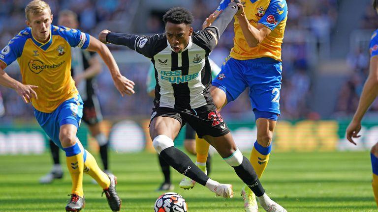 Joe Willock runs at the Southampton defence for Newcastle