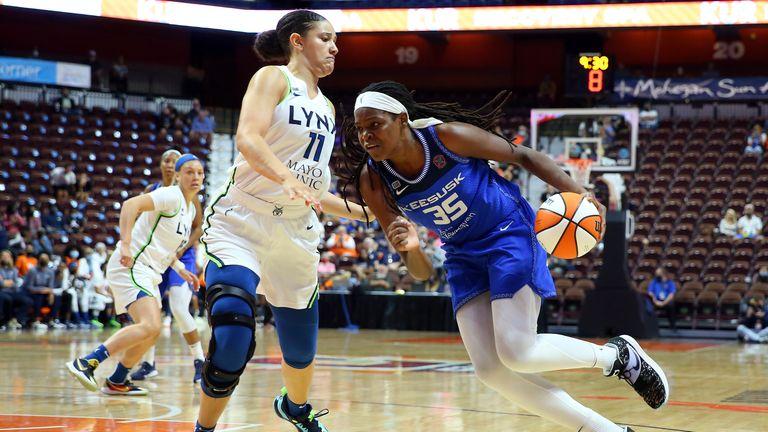 Jonquel Jones in action against the Lynx (AP)