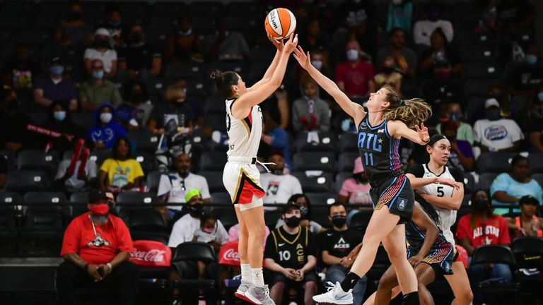 Kelsey Plum #10 of the Las Vegas Aces shoots the ball during the game against the Atlanta Dream on August 26, 2021 at Gateway Center Arena in College Park, Georgia. (Photo by Adam Hagy/NBAE via Getty Images)