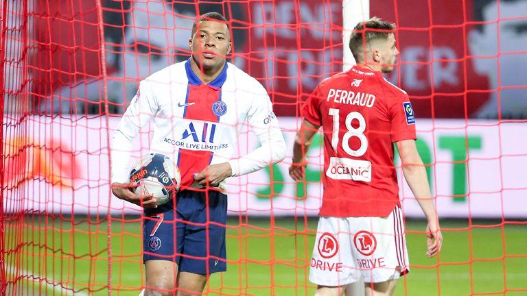 Roman Peraud a affronté certains des meilleurs joueurs du jeu lors de son passage de deux ans au stade de Brest