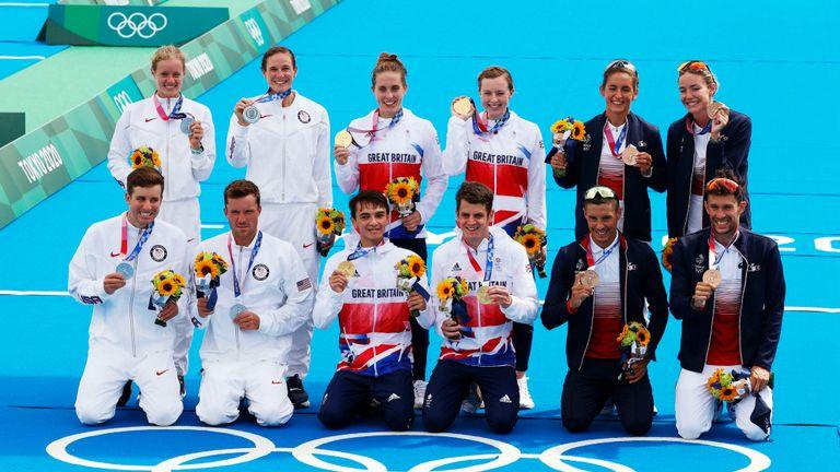 AP - Mixed triathlon