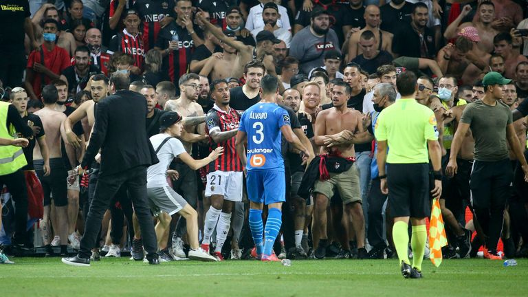 Trouble at Nice vs Marseille (AP)