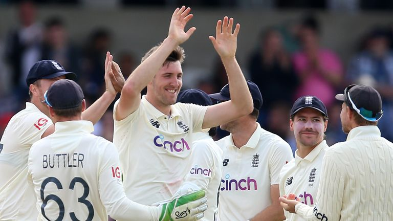 Craig Overton speaks to Ian Ward after an excellent day for England on day one of the third Test at Headingley