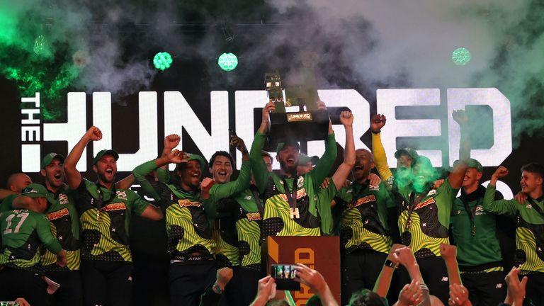 Southern Brave celebrate winning The Hundred