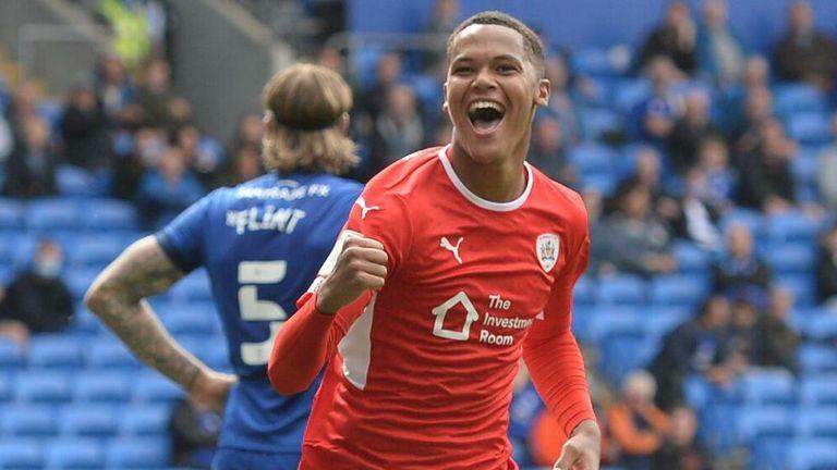 Toby Sibbick of Barnsley celebrates his equaliser against Cardiff City (credit: MI News & Sport/Alamy Stock Photo)
