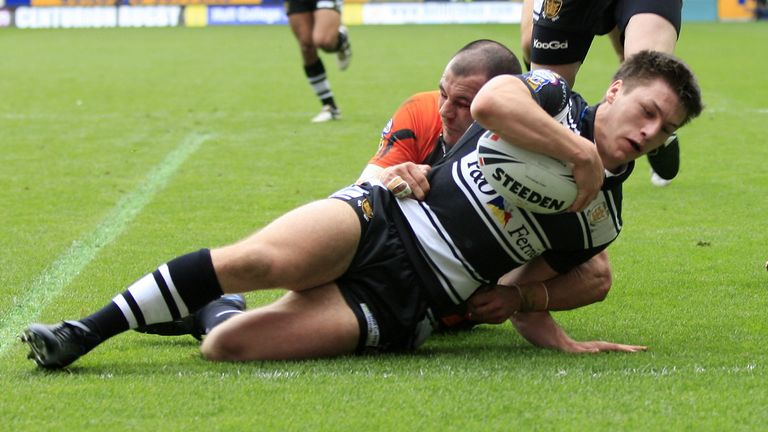Tom Briscoe goes over for a try in Hull FC's 2009 derby win over Hull KR