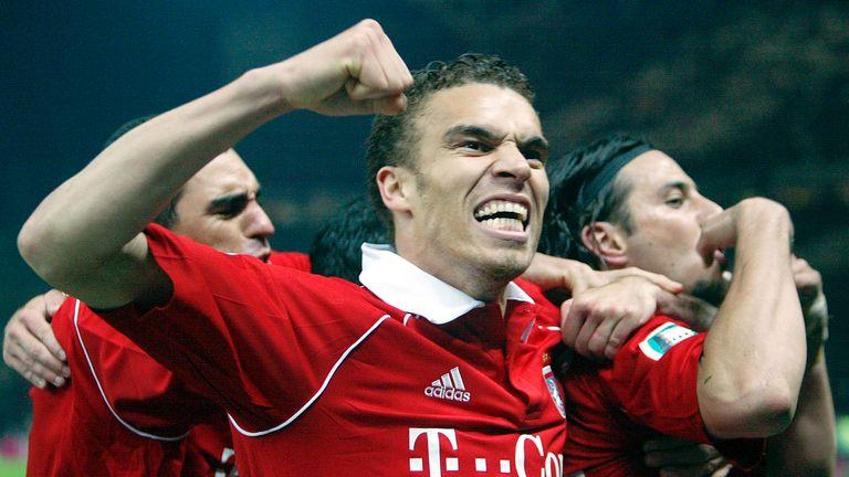 Como jugador, los clubes de Ismael incluyeron Crystal Palace, Werder Bremen y Bayern Munich, donde ganó la Bundesliga en 2006.