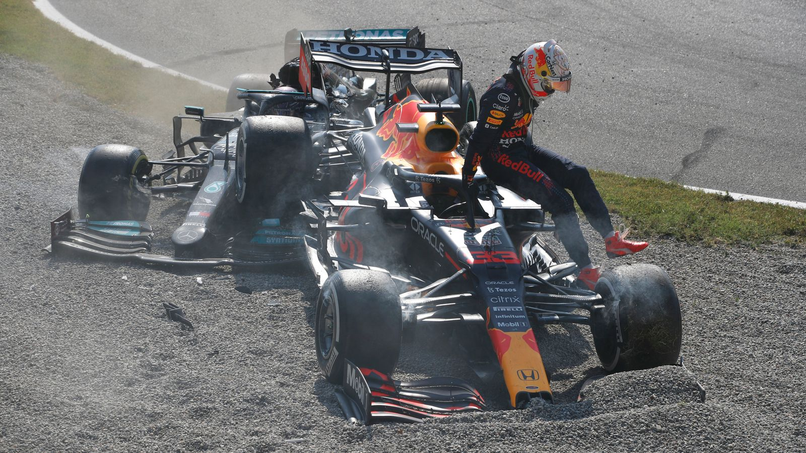 Russian GP: Lewis Hamilton and Max Verstappen 'very likely' to crash again this season, says F1 drivers' chief