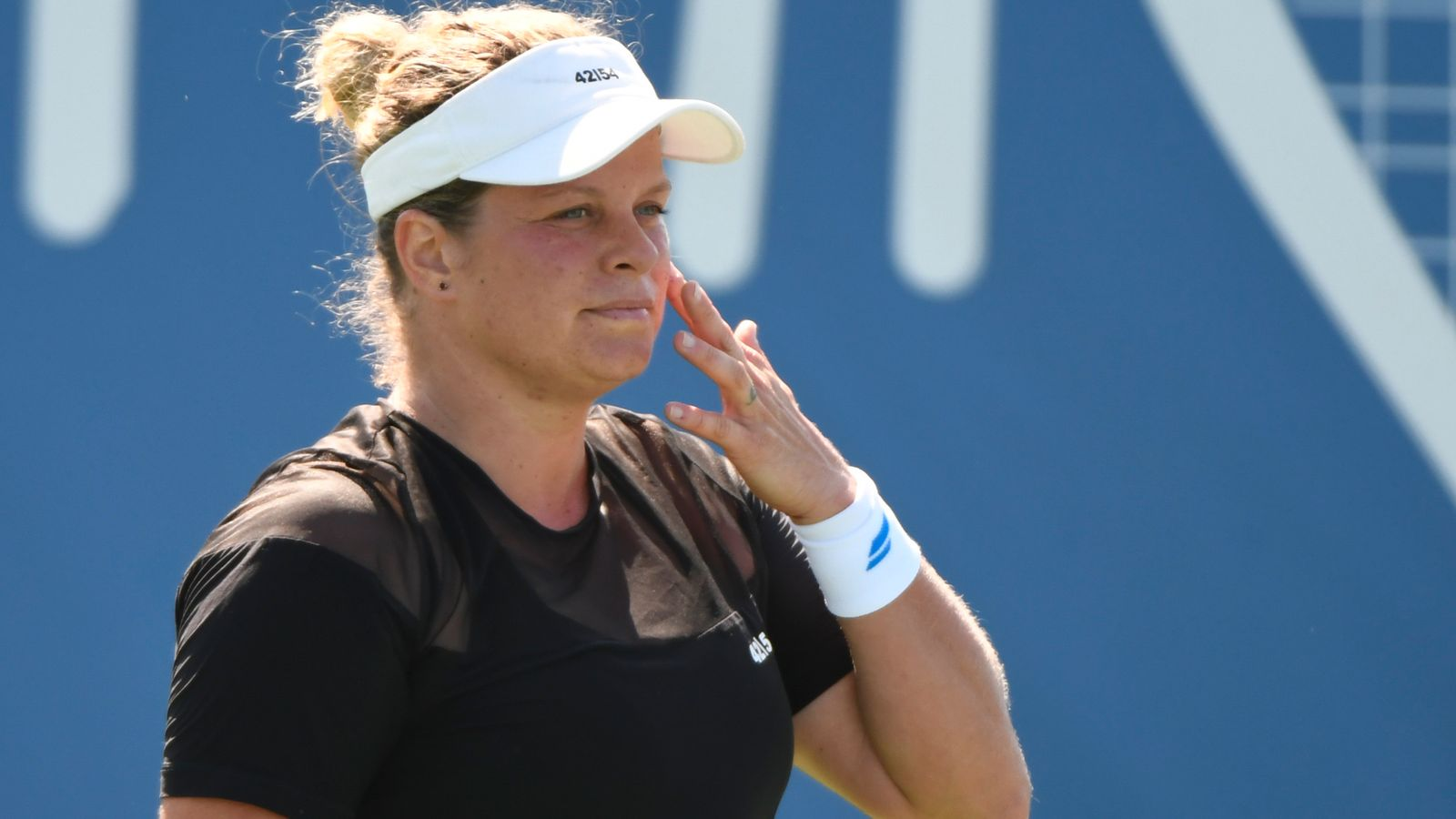 Kim Clijsters suffers first-round exit in latest comeback match at the Chicago Fall Classic