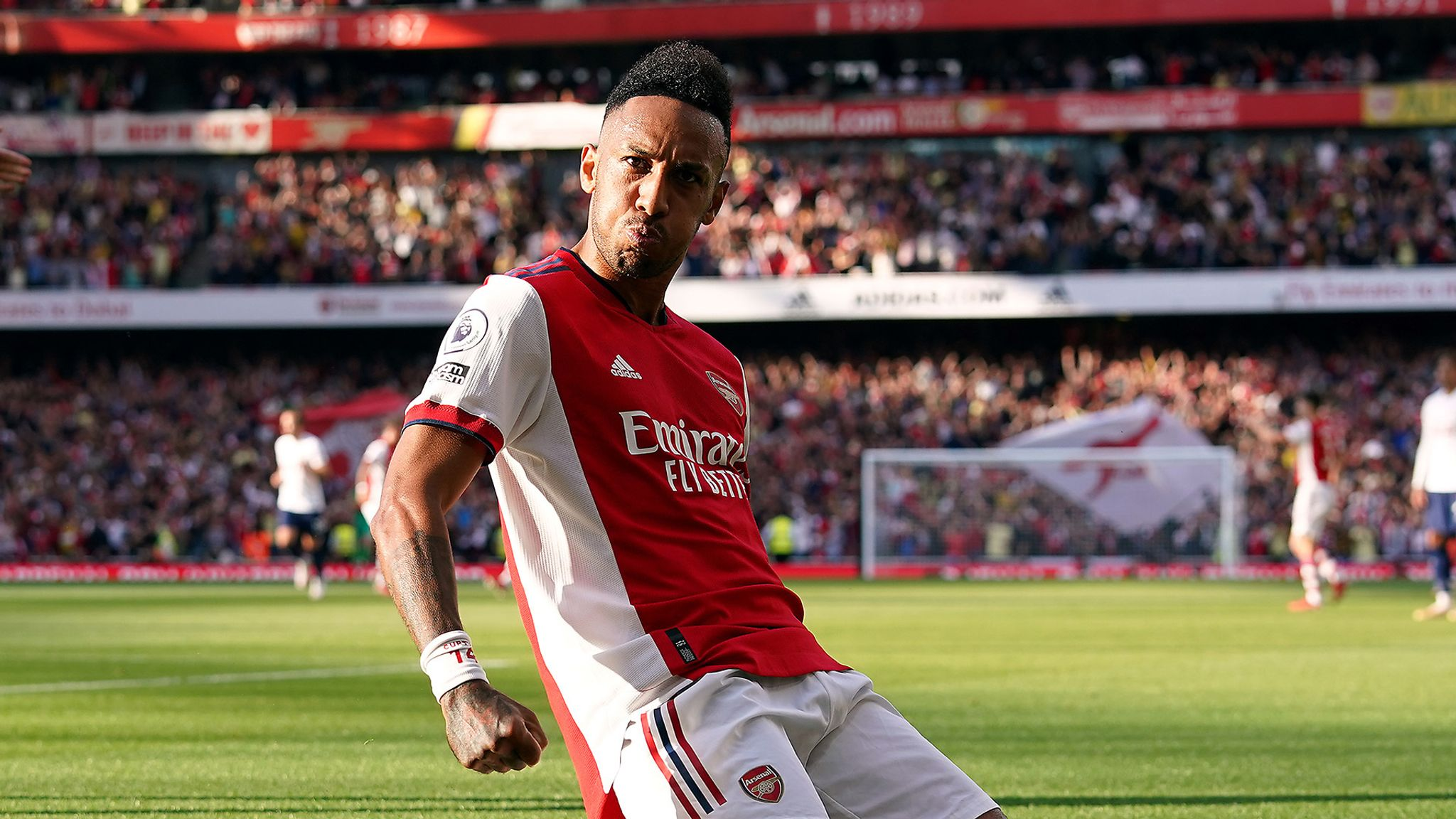 Arsenal 3-1 Tottenham: First-half blitz gives Arsenal memorable derby win over woeful Spurs