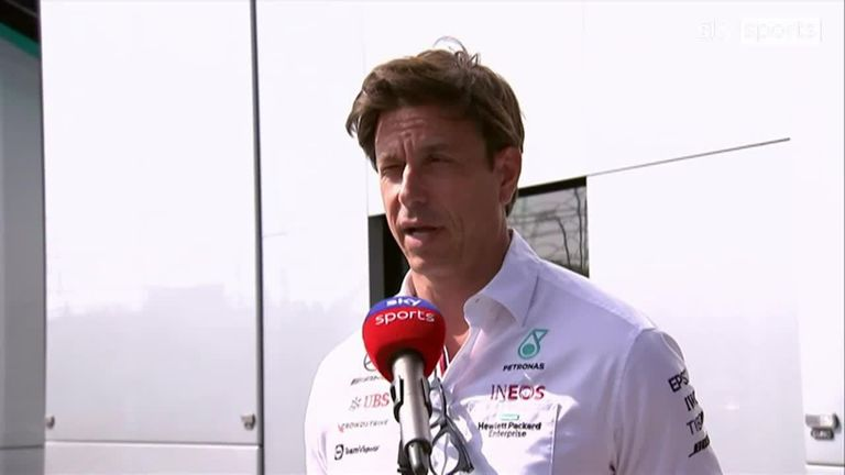 Toto Wolff zegt dat Mercedes zal wachten tot