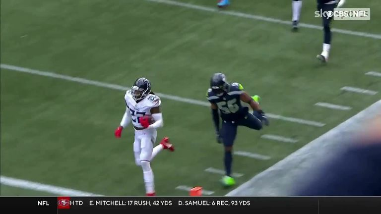 Derrick Henry broke loose off the edge for an explosive 60-yard touchdown for the Tennessee Titans