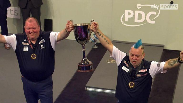 Henderson en Peter Wright winnen WK darts