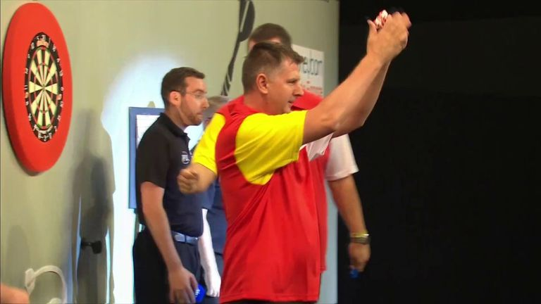 Krzysztof Ratajski hits a 122 checkout for Poland to knock out the Czech Republic in the World Cup of Darts.