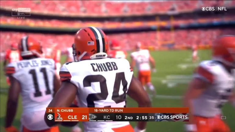 Joel Bitonio clears a huge hole for Nick Chubb, who races untouched to the end zone for an 18-yard touchdown.
