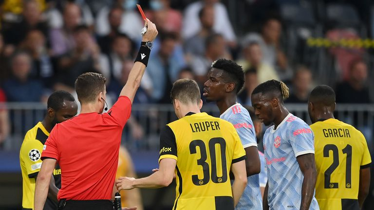 Aaron Wan-Bissaka is sent off for Manchester United against Young Boys