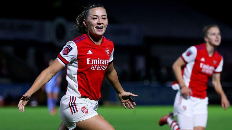 Katie McCabe célèbre le troisième but d'Arsenal