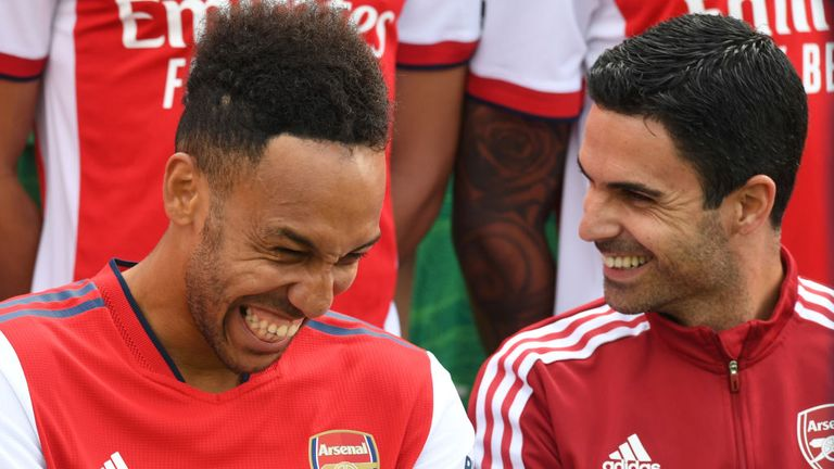 Mikel Arteta with Arsenal captain Pierre Emerick-Aubayemang