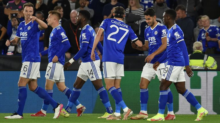 Leicester's Ayoze Perez, second right, celebrates with teammates after scoring his side's opening goal during the Europa League Group C soccer match between Leicester City and Napoli